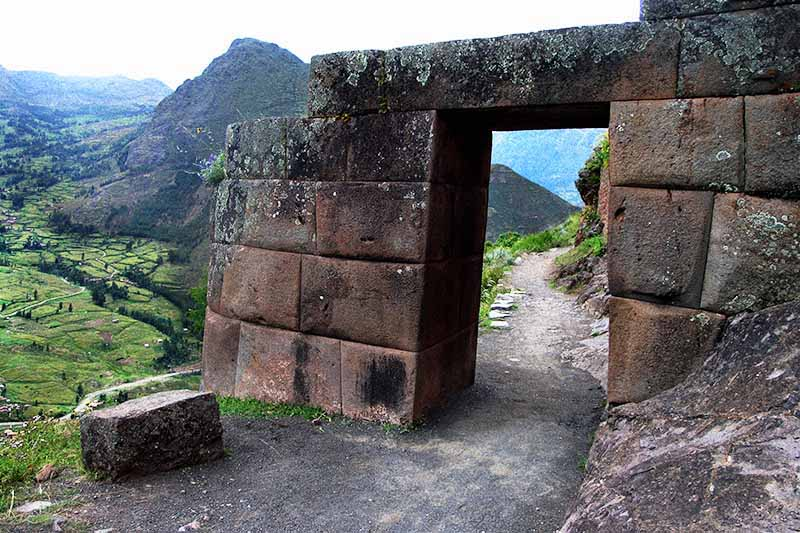Sacred Valley to Machu Picchu, Sacred Valley Ruins