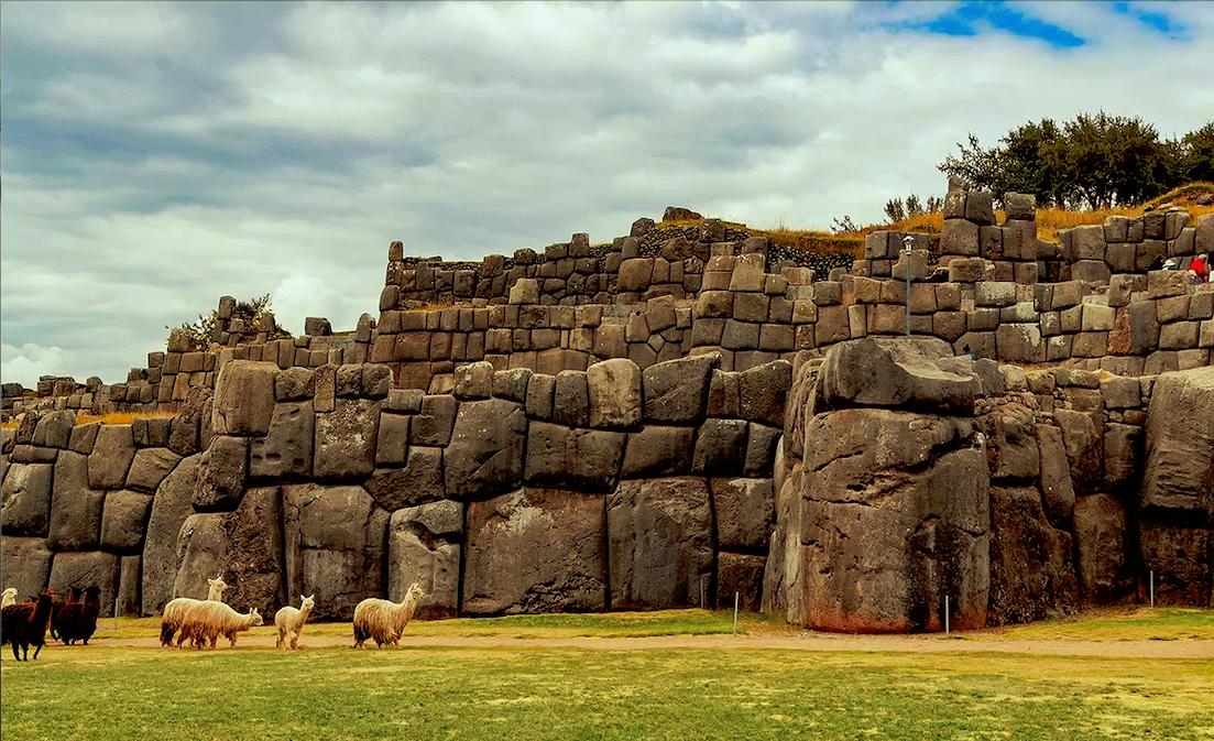 Sacsayhuaman Fortress]